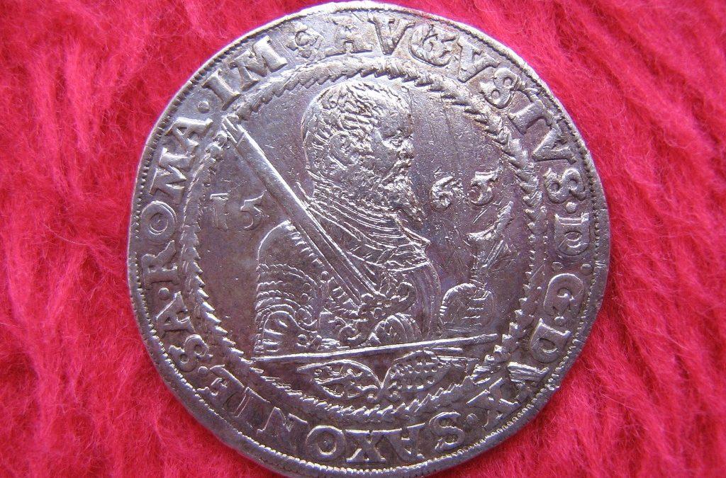 Z muzejních vitrín a depozitářů – mince